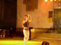 Страхотно танцува